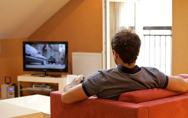 «فریدون جیرانی» برای اجرای برنامههای سینمایی به تلویزیون بازمیگردد؟