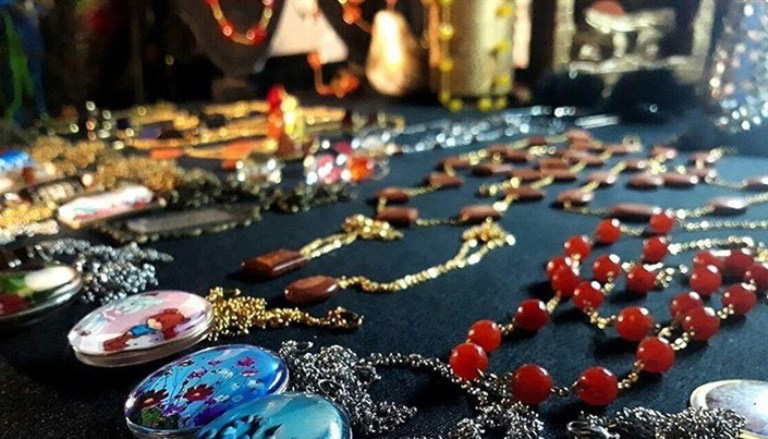 گشایش نمایشگاه صنایع دستی در پیاده راه فرهنگی رشت