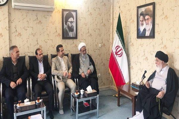 تاکید امام جمعه مشهد بر احقاق حق سهامداران پدیده شاندیز