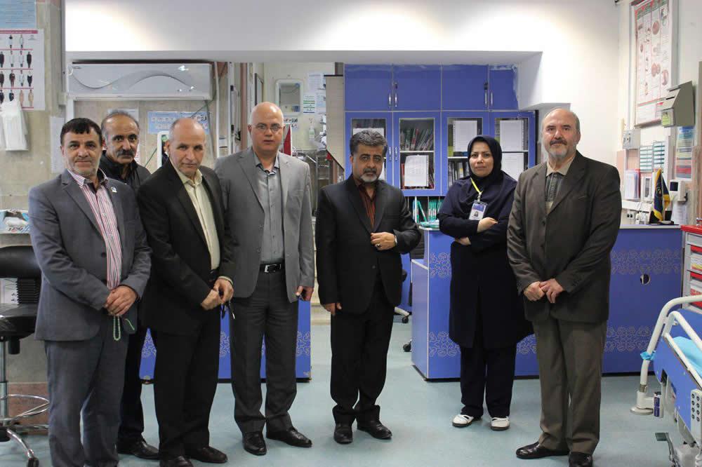 بازدید شورای شهر کرمانشاه به همراه مدیر انجمن از بخش دیالیز بیمارستان امام خمینی (ره)به مناسبت هفته حمایت از بیماران کلیوی