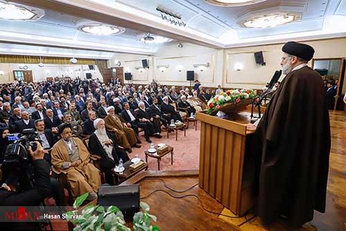 آیینه یزد - حجتالاسلام والمسلمین رئیسی به ریاست قوه قضائیه منصوب شد