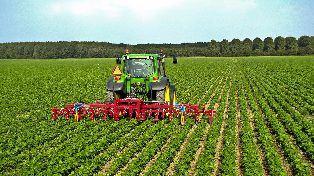 کشاورزی دقیق چیست ؟ و هدف از اجرای کشاورزی دقیق چیست؟ ، مقاله کشاورزی دقیق ، جزوه کشاوزی دقیق ، دانلود مقاله