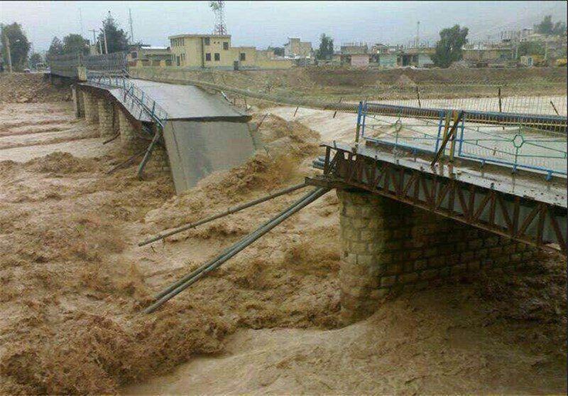 پل اصلی شهر پلدختر تخریب شد
