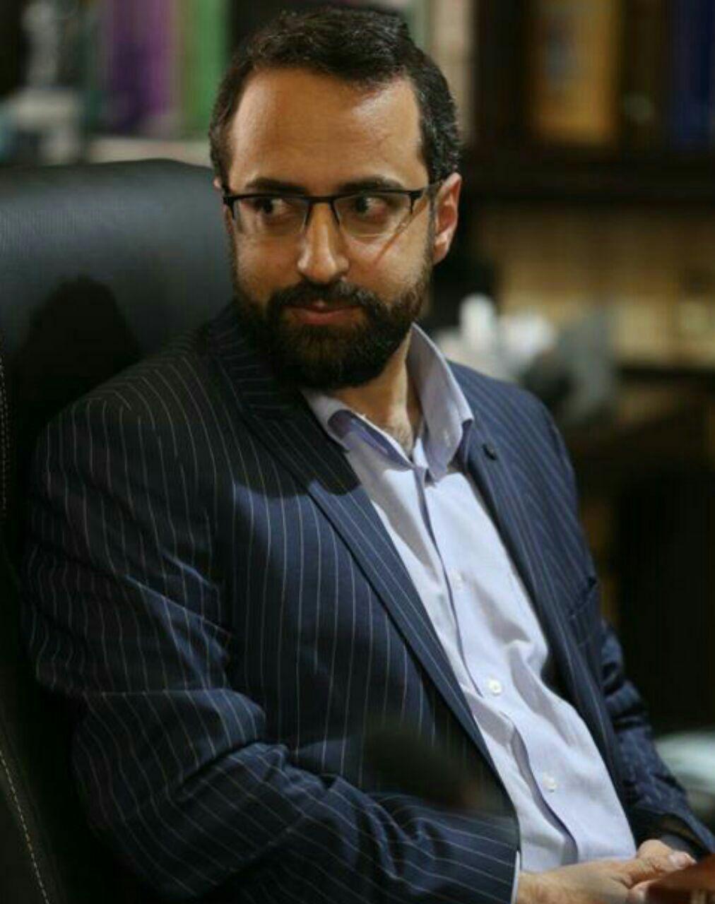 مرتضی عاطفی مدیر روابط عمومی و تشریفات استانداری گیلان از سمت خود استعفا داد