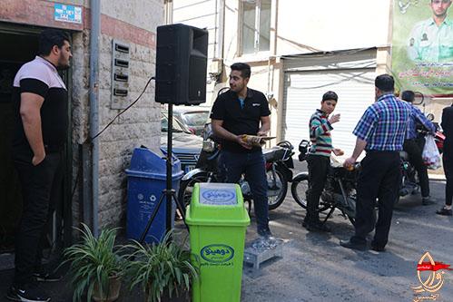 پخش شیرینی وشربت در ایستگاه صلواتی شهیددولت آبادی