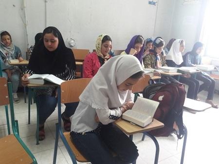 حضور دانشآموزان آستارایی در کلاسهای دارالقرآن